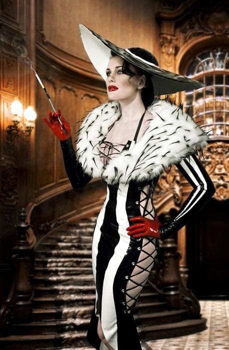 Cruella de vil may be evil but hot damn the woman has style